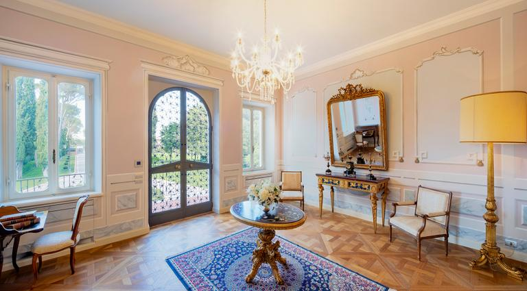 Margherita da Laviano, Junior Premium Suite | Le Luxury Suite di Villa Valentini Bonaparte